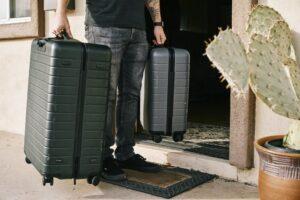 10.Well Organised Hand Luggage: